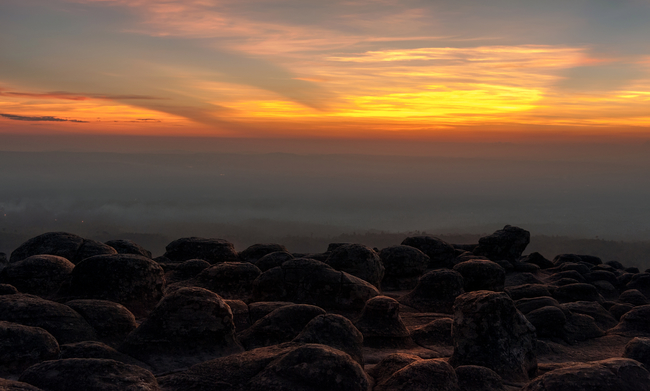 Best places to view the sea of mist in Thailand: We're still on earth. This is Lan Hin Pum at Phu Hin Rong Kla in Phetchabun.