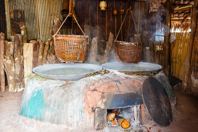 Things to do in Nan, Thailand: Almost a thousand years of history in salt wells at Bo Kluea