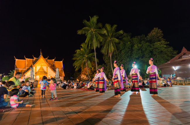 Things to do in Nan, Thailand: Shopping, dining and enjoying cultural shows at Khuang Muang