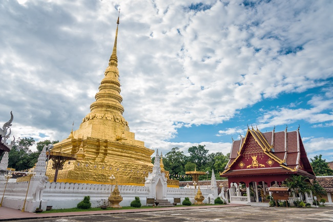 Things to do in Nan, Thailand: The gilded padoda of Wat Phra That Chae Haeng