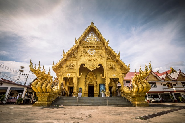 Things to do in Nan, Thailand: The golden sanctuary of Wat Sri Panton