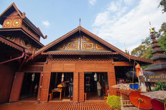 Things to do in Phrae, Thailand: Teak meets Burmese at Wat Chom Sawan