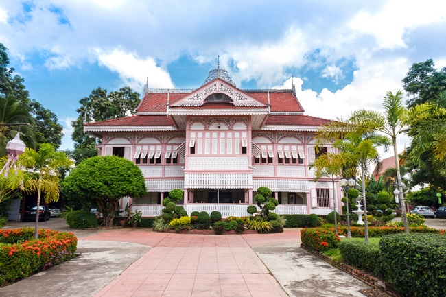 Things to do in Phrae, Thailand: Vongburi House looking sweet