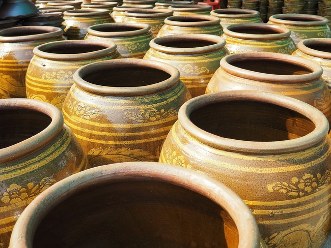 Things to do in Ratchaburi, Thailand: Big or small, dragon jars come in all sizes