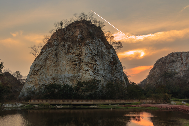 Things to do in Ratchaburi, Thailand: Sunset at Khao Ngu Stone Park