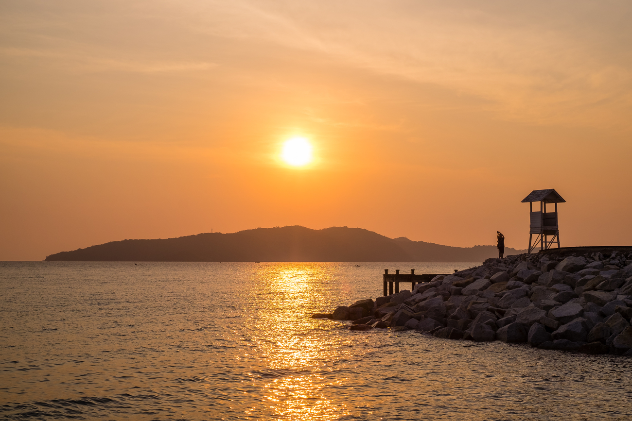 Things to do in Rayong, Thailand: It's easy to see why Khao Laem Ya is the most stunning viewpoint in the city
