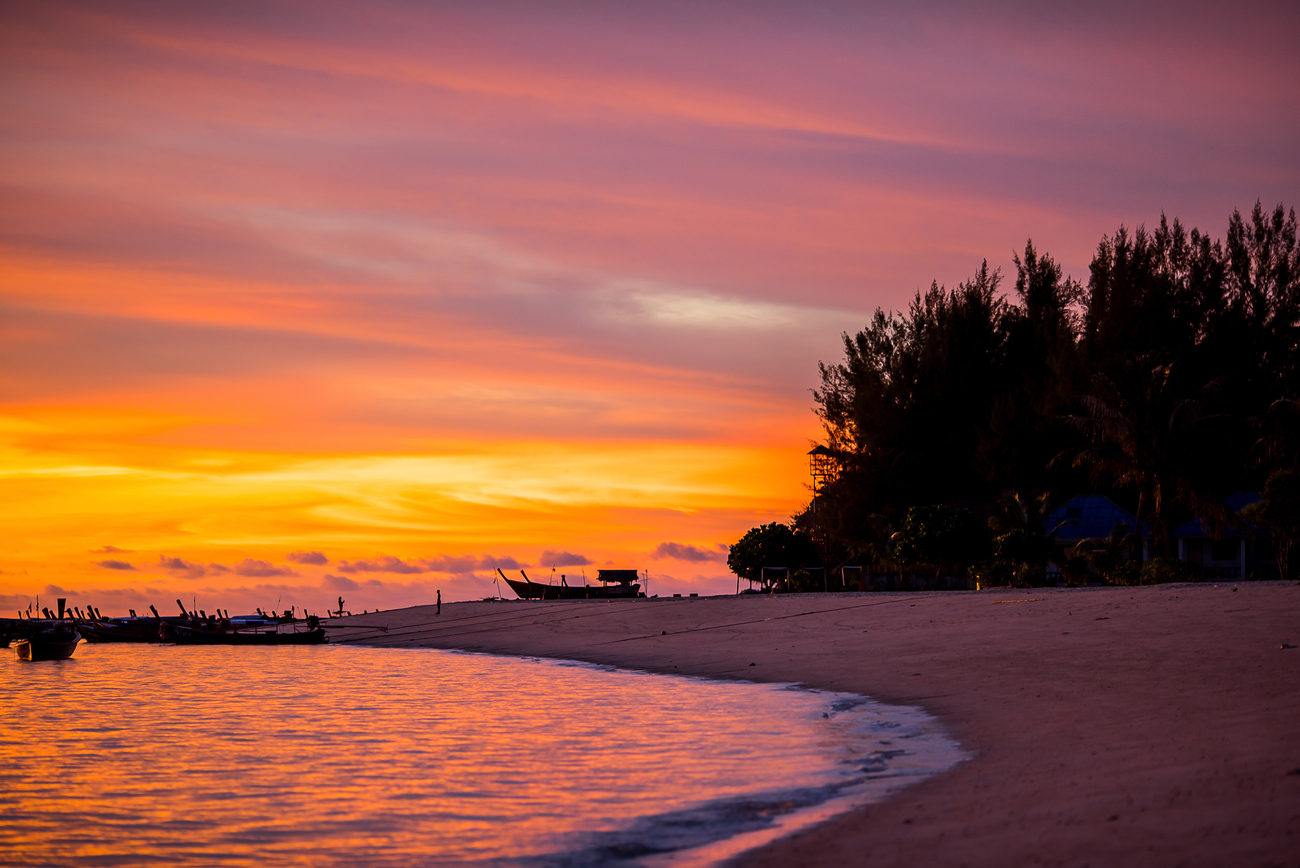 Things to do in Satun, Thailand: Sunset on Koh Lipe